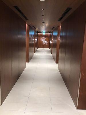 大阪空港サクララウンジ廊下