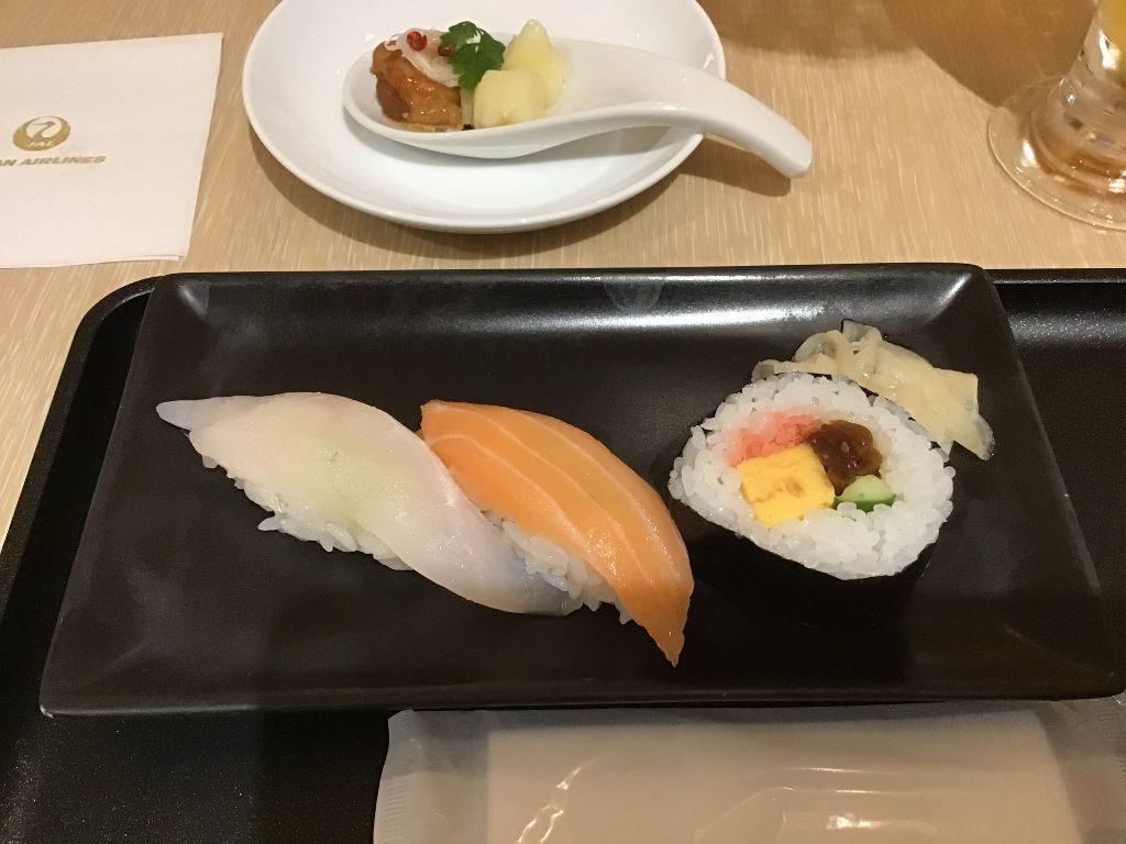 鮨(ひらめ、サーモン、太巻き)