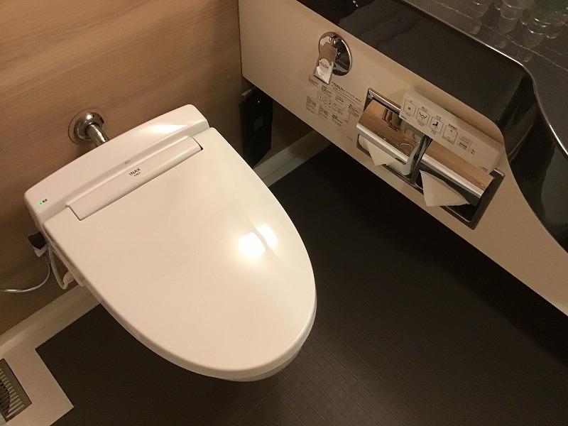 ホテルトイレ(ウォシュレット)