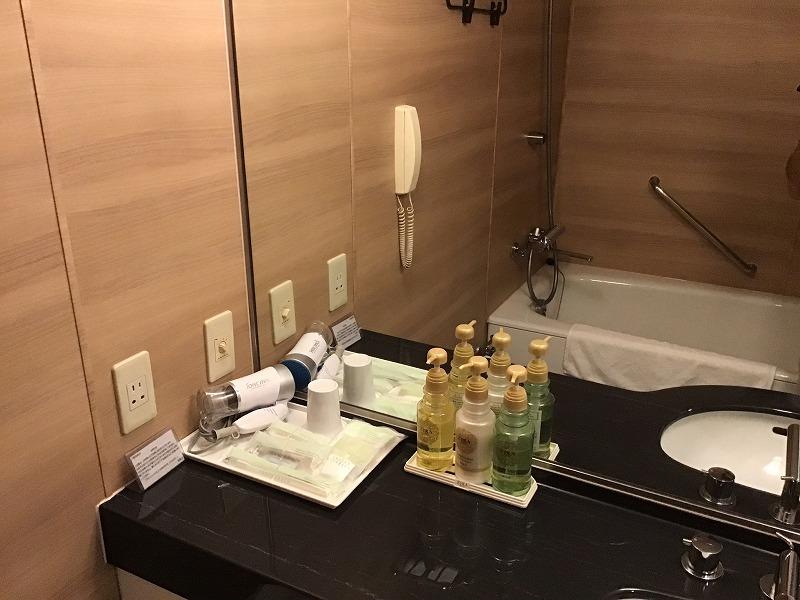 ホテル浴室