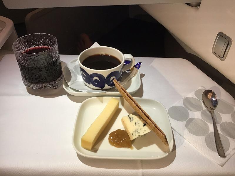 赤ワインとチーズ
