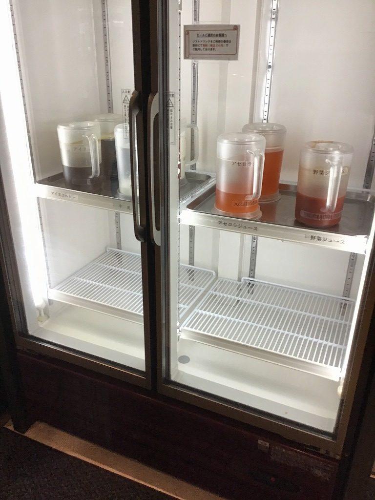 福岡空港カードラウンジ内冷蔵庫