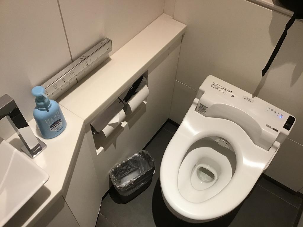 トイレ(ウォシュレット使用)