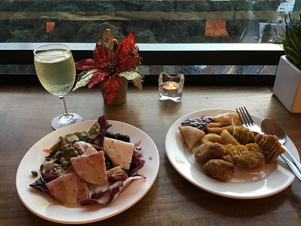 食事と白ワイン